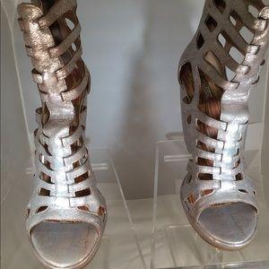 Brand new never worn before  Matiko Sella Wedge